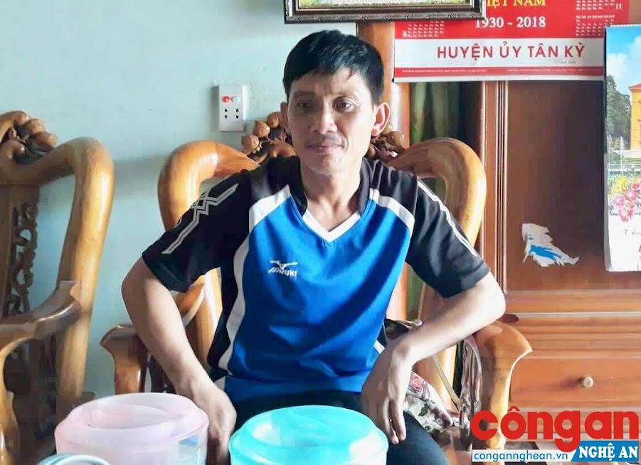 Từng lầm lỡ, nay anh Sinh đã trở thành người trưởng thôn được nhân dân yêu mến