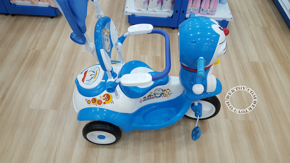 รถสามล้อเด็กหน้าโดราเอมอนก้นใหญ่ สีฟ้า BCDM904-1-5.png