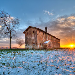 Snow and Sun by Fa Ve - Landscapes Prairies, Meadows & Fields ( snow, veneto, sunrays, musile di piave, italy )