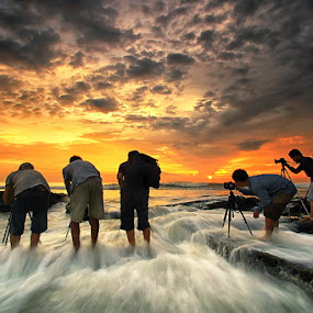 Wave Hunter by Agoes Antara - People Group/Corporate ( water, sunset, cloud, beach, people, waterscape. )
