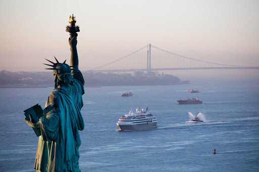 Ponant-NYC-Liberty.jpg - Set sail for New York on your next Ponant luxury cruise.