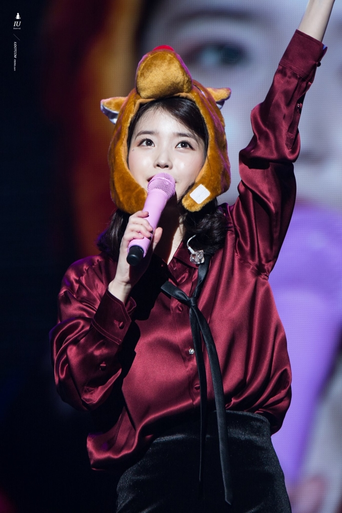 IU-Red-Satin-Silk-Shirt-Inspiration-1