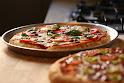 2 מגשי פיצה
