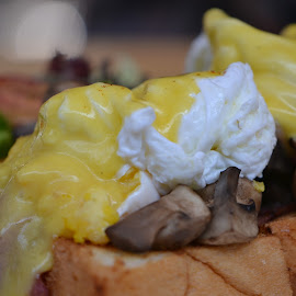 Breakfast with Chiz..... by Diadjeng Laraswati H - Food & Drink Meats & Cheeses ( breakfast, cheese,  )