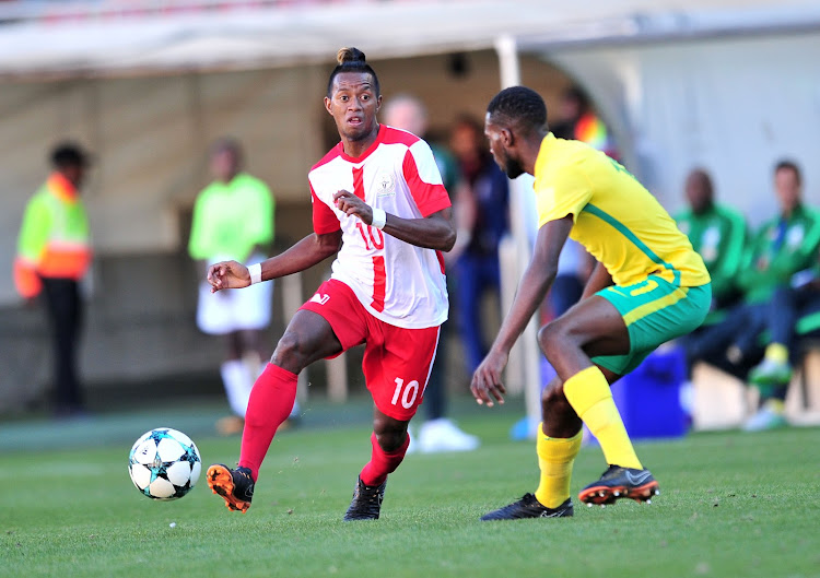 Kaizer Chiefs are reportedly interested in the services of Madagascar playmaker Andriamirado Andrianarimanana (L).