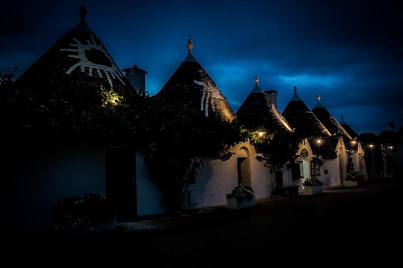 Alberobello by night di Mdv78