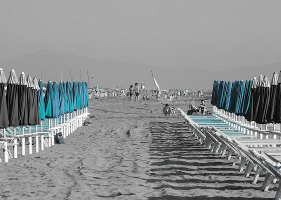 L'ultima luce sulla spiaggia. di claudio_sposetti