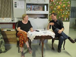 Photo: KÜNSTLERGESPRÄCH MIT CONSTANTIN TRINKS (10. JUNI 2014). Interviewerin: Dr. Renate Wagner. Foto: Heiner Wesemann