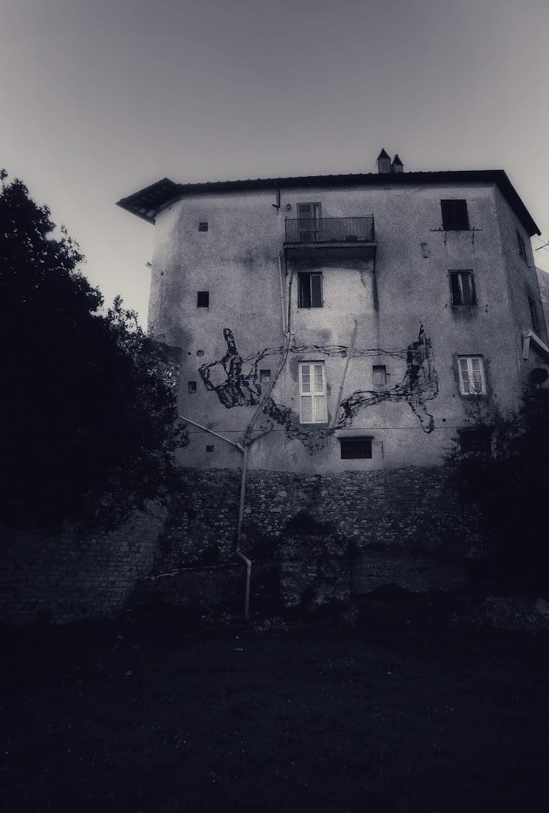 Haunted house di Lalunanelpozzo_69
