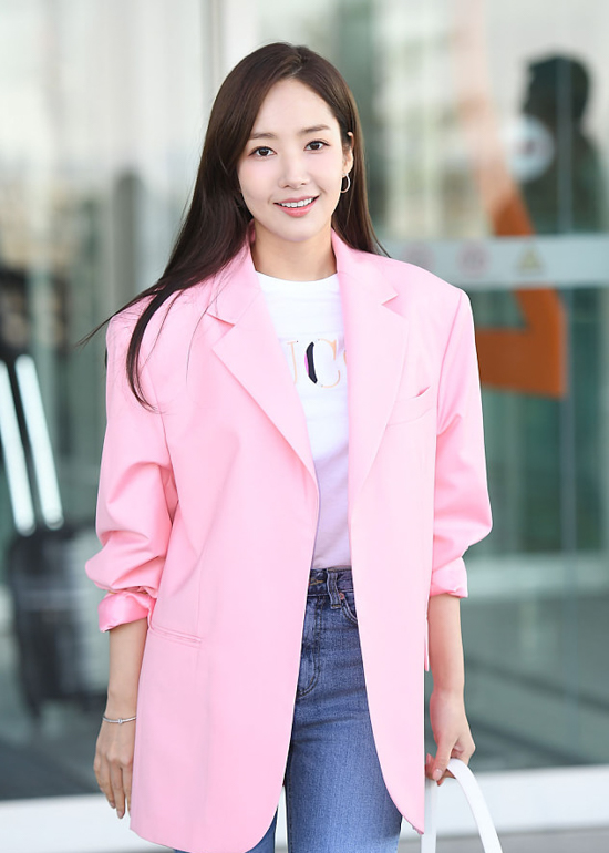 190214_Park_Min-young_-_Incheon_airport-3