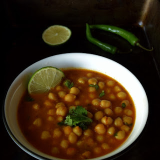 Simple Indian Chickpeas Curry (Channa Masala)