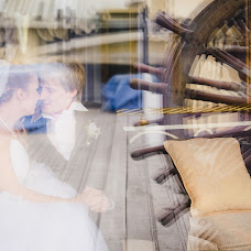 Wedding photographer Artem Grinev (GreenEV). Photo of 04.10.2013