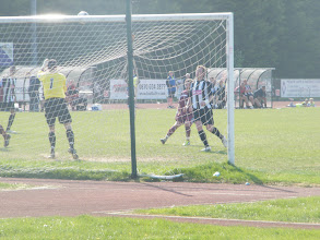 Photo: 30/04/11 v Hyde (Conference North) 1-2 - contributed by Mark Farnell