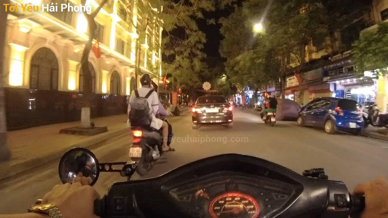 Buổi tối dạo phố Hoàng Văn Thụ ở Hải Phòng 2