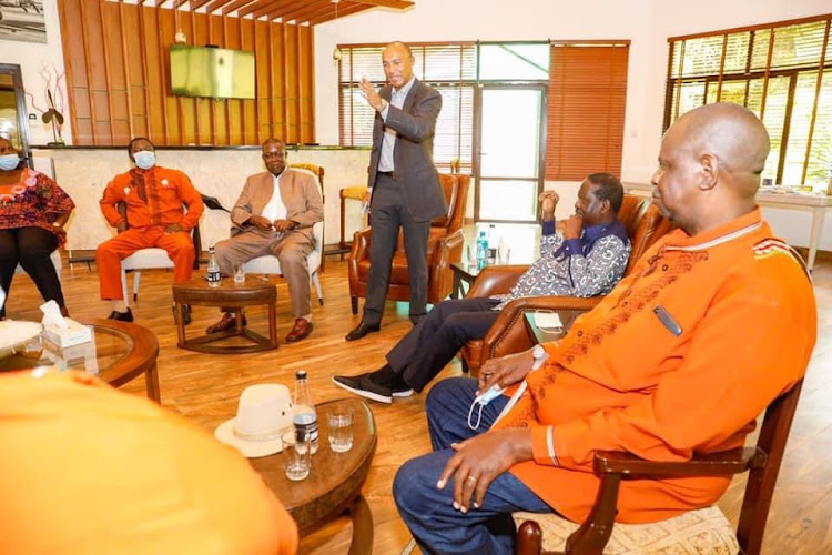 Former Gtanga MP Peter Kenneth speaking during the meeting hosted by the ODM leader Raila Odinga on Friday.