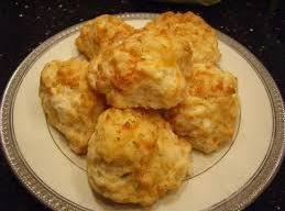 Mom's Garlic Cheese Biscuits Recipe