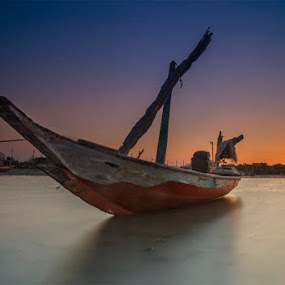 waiting the sunset by RIO DJOENED - Transportation Boats