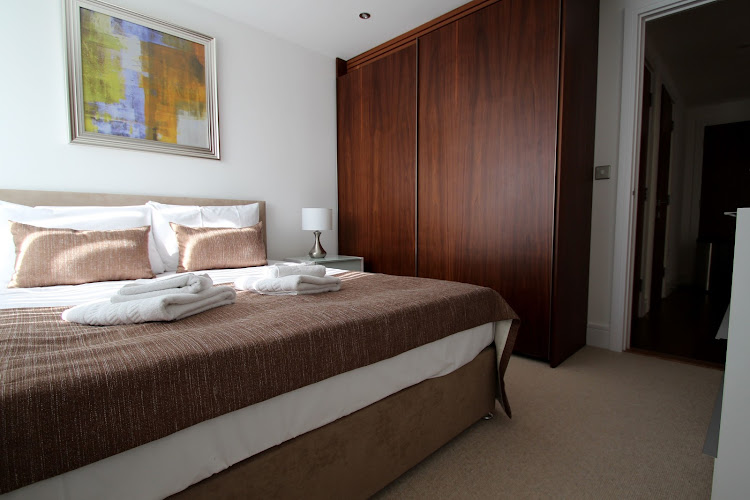 1 bedroom apartment at Lincoln Plaza Serviced Apartments, Canary Wharf, Canary Wharf