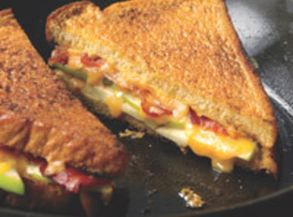 My Grilled Cheese With Apples And Bacon Recipe