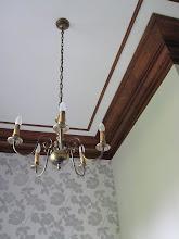 Photo: Die Zimmerhöhe war beträchtlich - wahrscheinlich, damit man auch vom Tisch aus nicht an den Kronleuchter springen kann