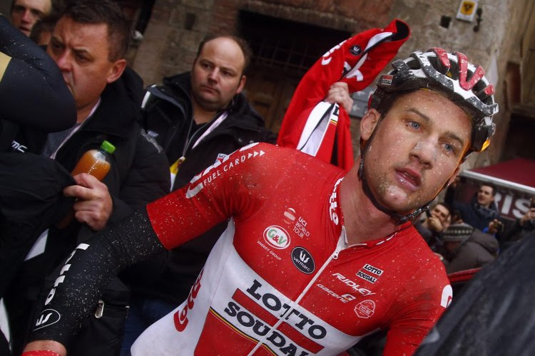 """Debutant Tim Wellens na knappe Strade Bianche: """"Ik kom zeker terug"""""""