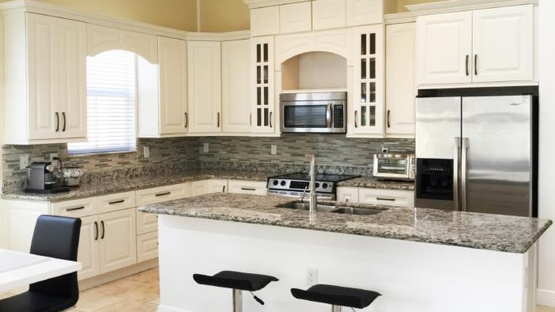 Palm Harbor Kitchens Llc Kitchen Cabinet And Bathroom Vanity Store And Showroom In Palm Harbor