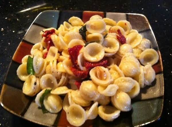 Sundried Tomatoes N Roastd Garlic Pasta Recipe