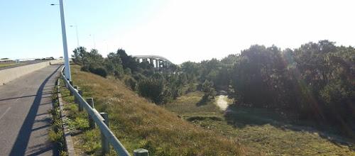 Photo: Pied du pont de Noirmoutier, sur l'île