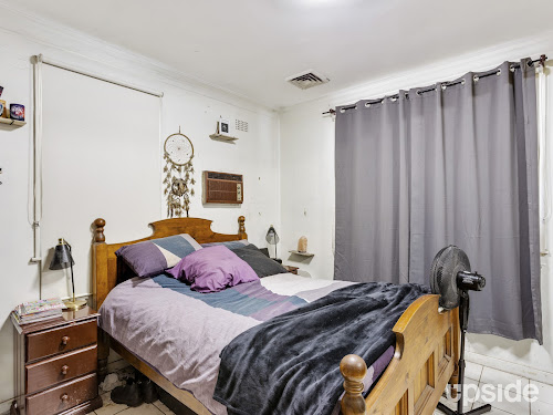 Photo of property at 21 Fourth Avenue, Seven Hills 2147