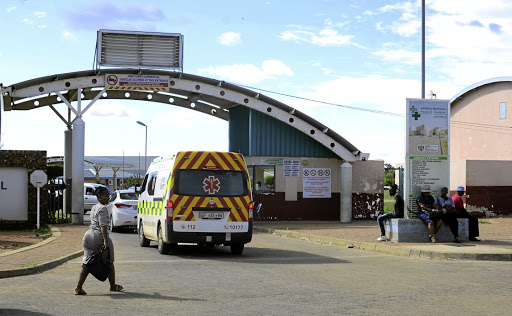 Patients at Bophelong Hospital threaten to revolt.