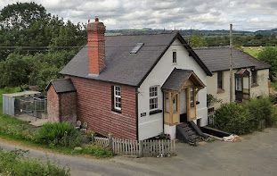 Charming Caersws cottage