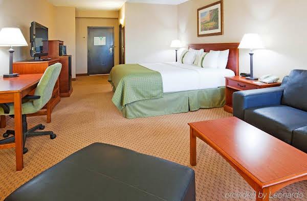 Holiday Inn Riverside Minot