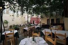Visiter Tholos Restaurant