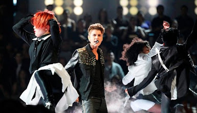 """Photo: THE VOICE -- Episode 215B """"Live Show"""" -- Pictured: Justin Beiber -- (Photo by: Justin Lubin/NBC)"""