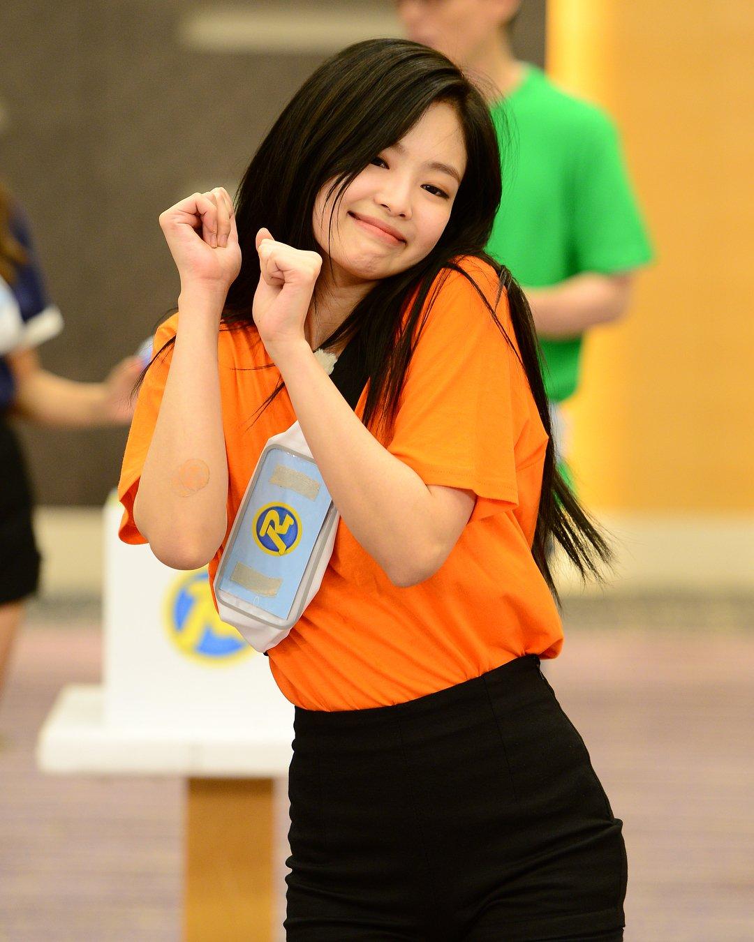 blackpinkrainbow_orange_jennie