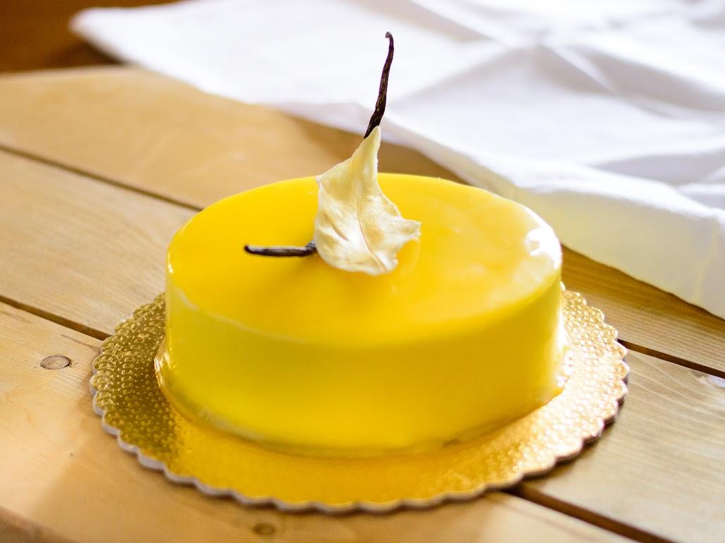 Torta Moderna Lemon Curd Torrone Mandorle Con Glassa A