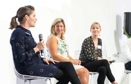 Workshops that break down workplace barriers