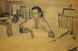 Photo: En la mili con el brazo roto. Proveedor: Raimunda Bustillo. Año: 1958.