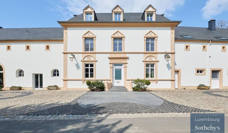 Maison avec piscine et jardin Roeser
