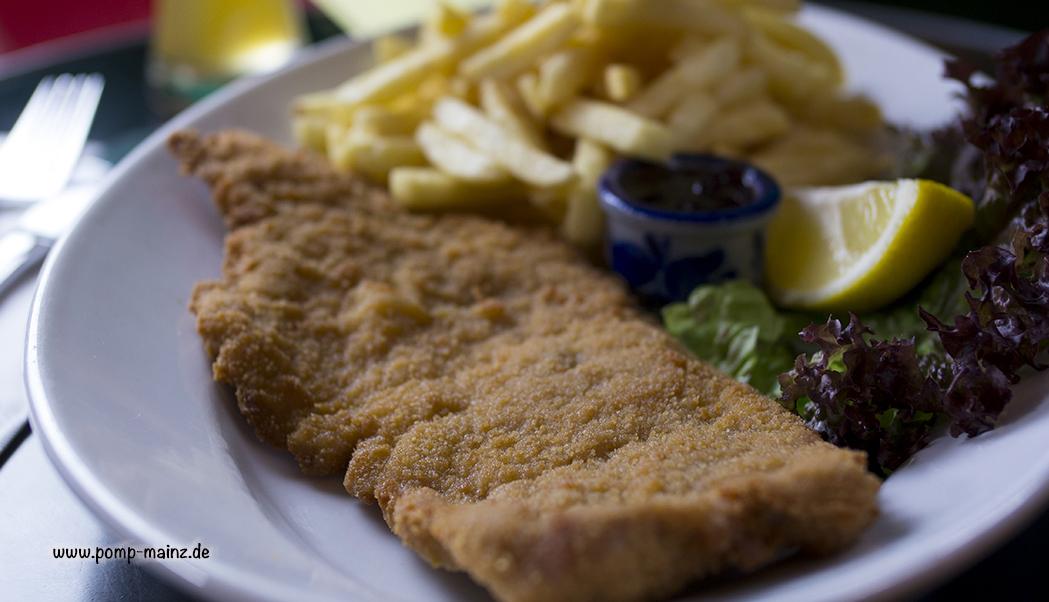 "Photo: Schnitzel ""Wiener Art""  mit Preiselbeeren & French Fries"