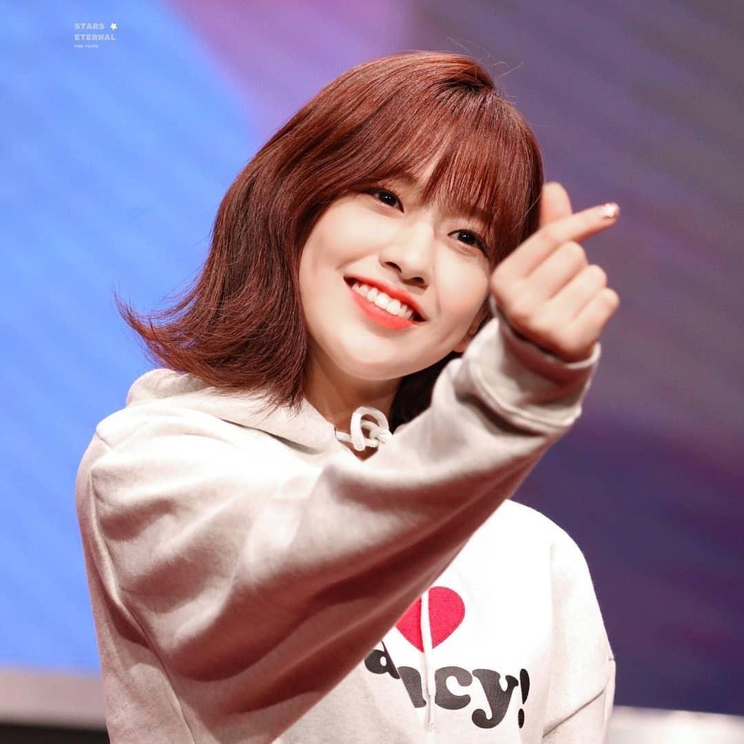 most pop kpop idol 25