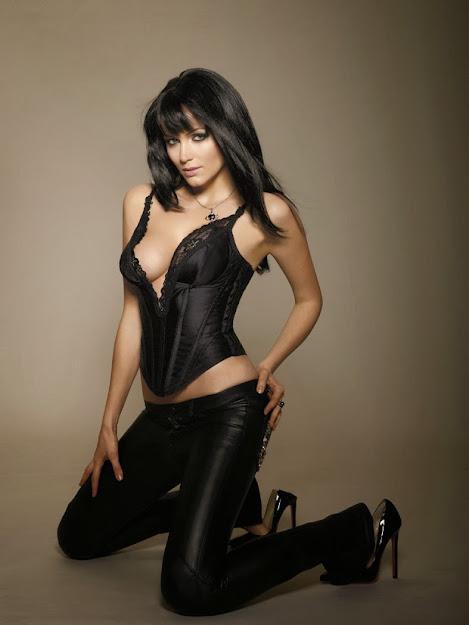 Yana Gupta in latex pants, Yana Gupta in black, Yana Gupta hottest, where is yana gupta