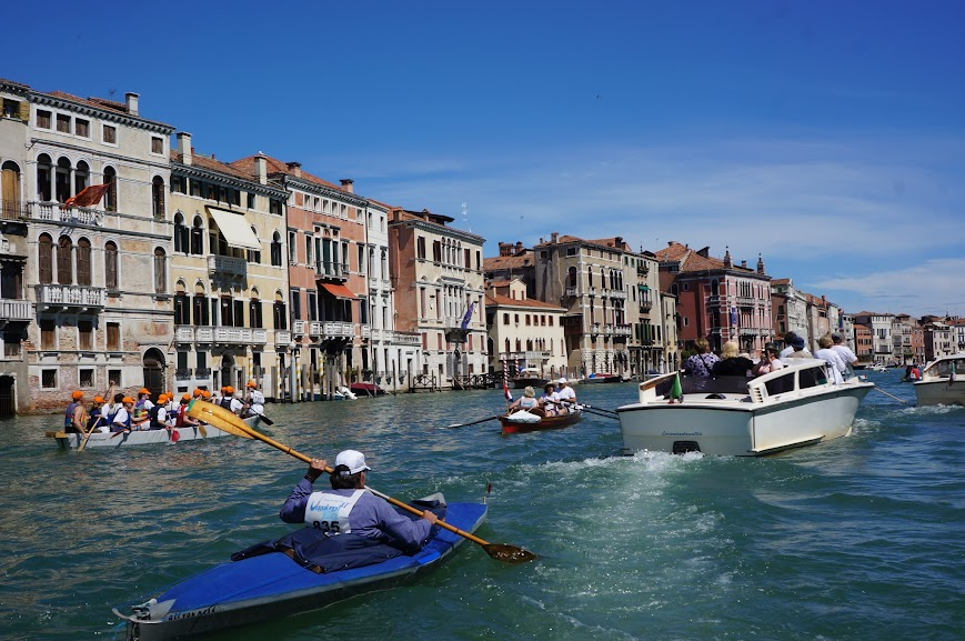 Boat racing along the Venetian canal
