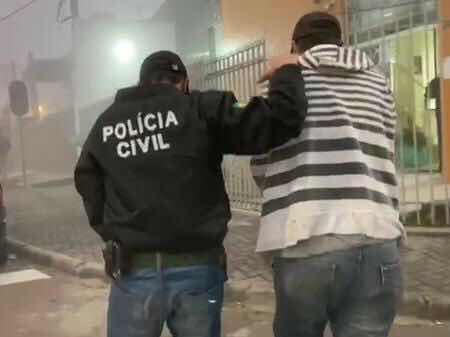 Curitiba: Pai de santo é preso suspeito de estupros durante rituais e cárcere privado