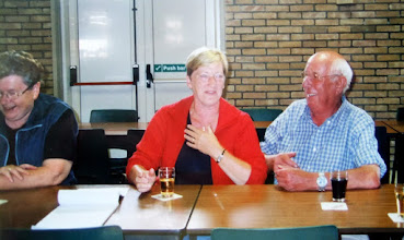 Photo: v.l.n.r. Jantje Rubing-Vedder, Jannie Reitsema-Kruit en Hendrik Hoving
