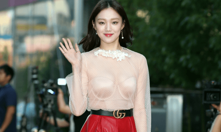 This is why Lee Sung Kyung is being called Korea's Gigi