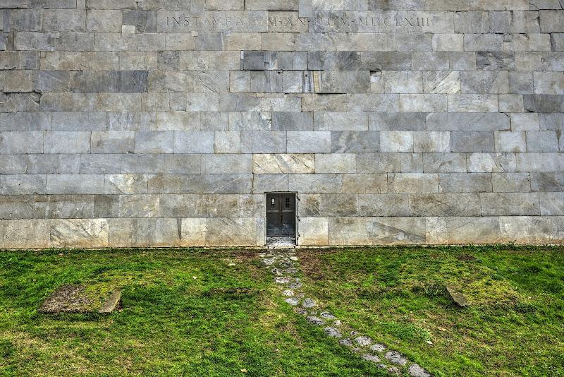 """Piccola porta... grande """"stanza"""" di Massimiliano zompi"""