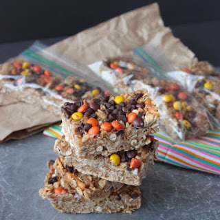 {No Bake} Peanut Butter Pretzel Granola Bars Recipe