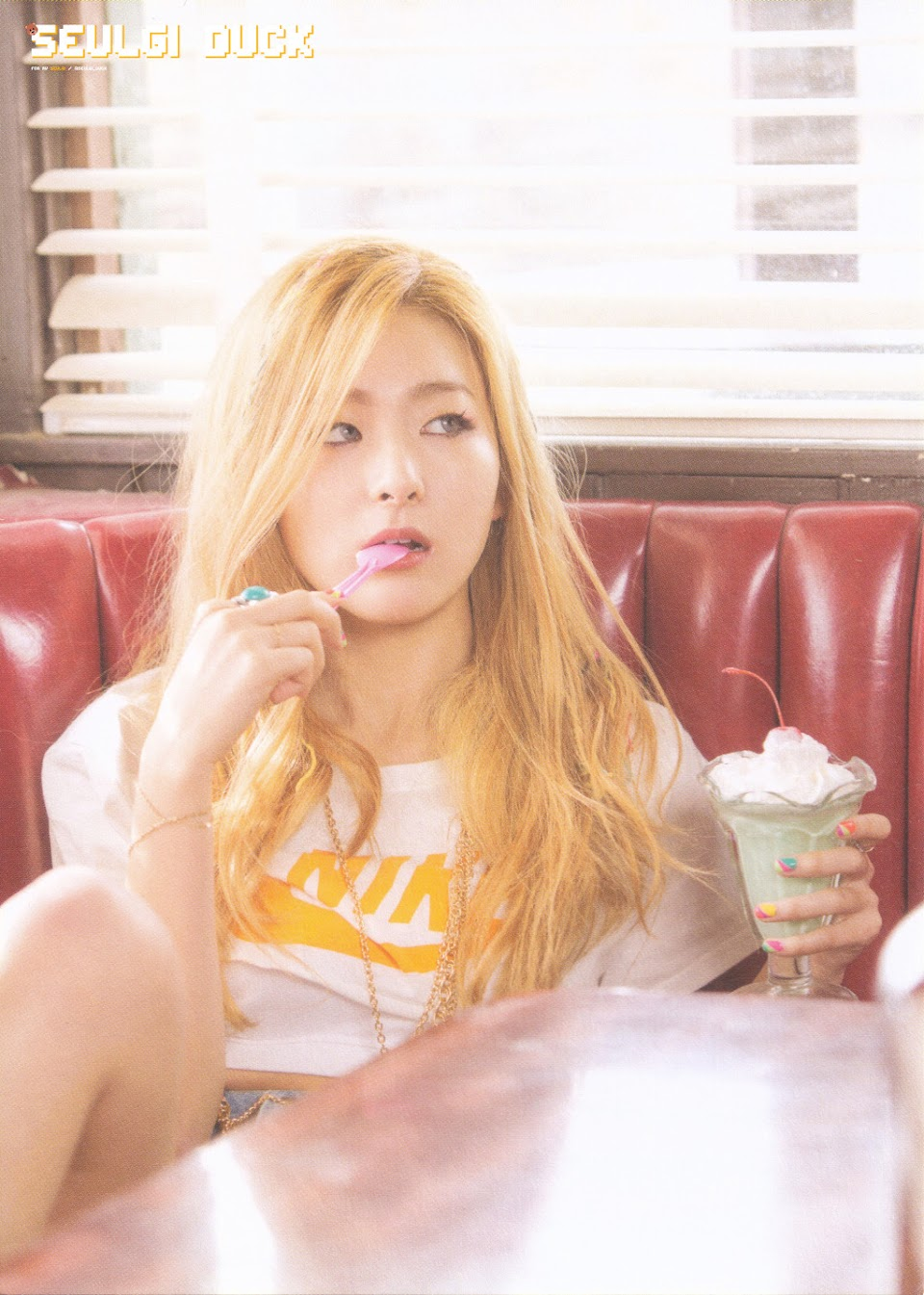 seulgi blonde ice cream cake