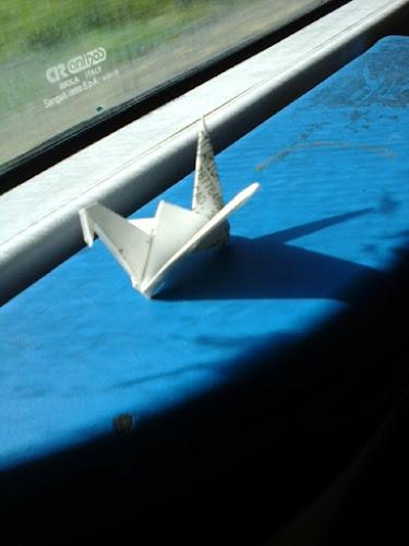 paper crane on the road di ranieralucchesi